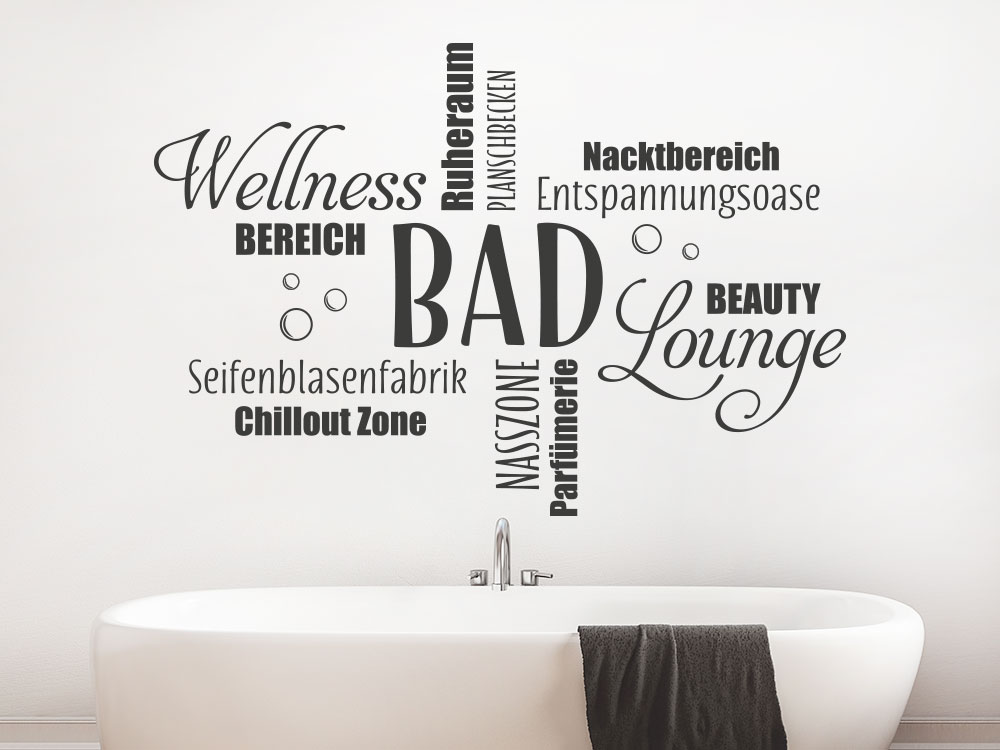 Wandtattoo Wortwolke Bad auf heller Badezimmerwand