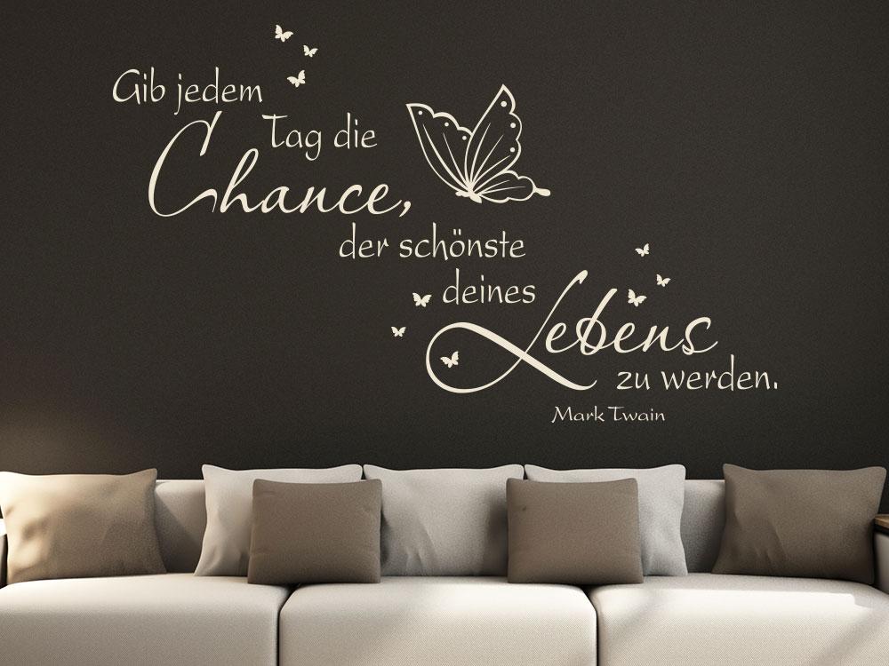 Wandtattoo Gib jedem Tag... mit Schmetterlingen im Wohnzimmer