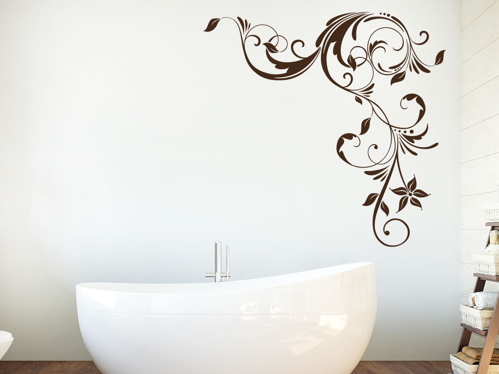 Wandtattoo Ranke Eckenornament im Badezimmer neben Wanne