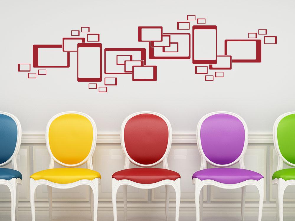 Wandtattoo Retro Cube Ornament im Flur über bunten Stühlen