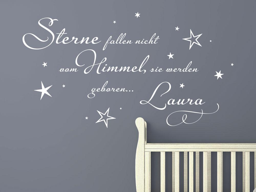 Wandtattoo Sterne fallen nicht vom Himmel, sie werden geboren auf dunkler Wand im Babyzimmer