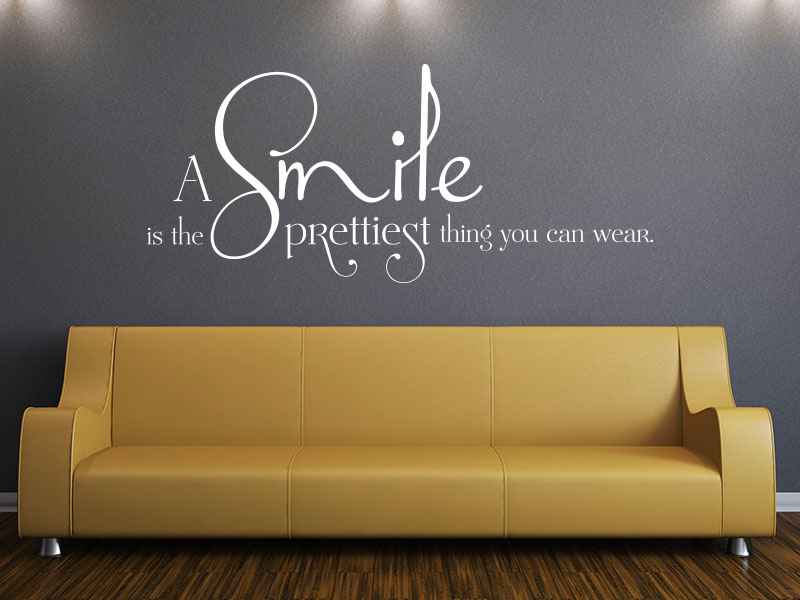 Wandtattoo Spruch englisch A smile is the prettiest thing you can wear.