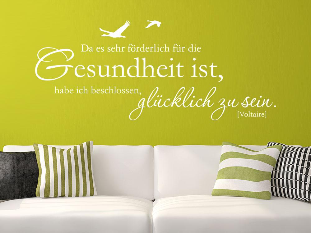 Wandtattoo Da es sehr förderlich für die Gesundheit ist auf grüner Wohnzimmerwand