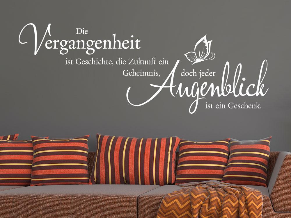 Wandtattoo Vergangenheit ist… Spruch über Sofa in Farbe Weiß