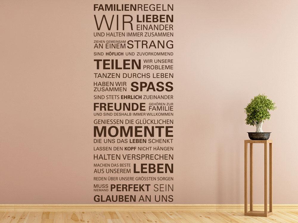 Wandtattoo Familienregeln Spruchband im Wohnzimmer