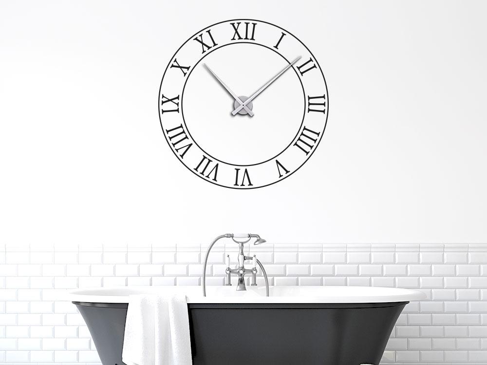 Römische Ziffern Wandtattoo Uhr im Bad über Wannne