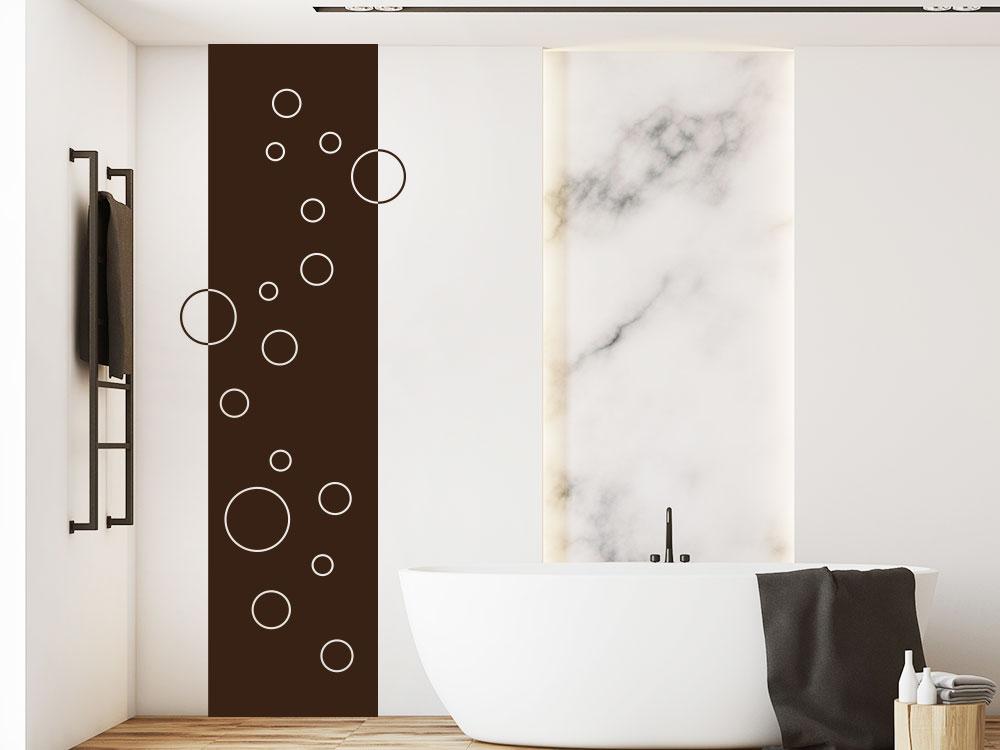 Wandbanner minimalistische Kreise im Bad neben Badewanne