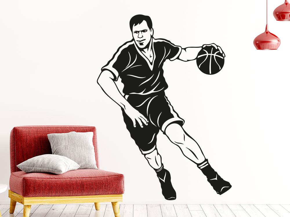 Basketballer Wandtattoo auf heller Wand