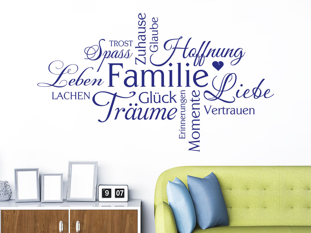 Wandtattoo Wortwolke Familie auf heller Wandfarbe