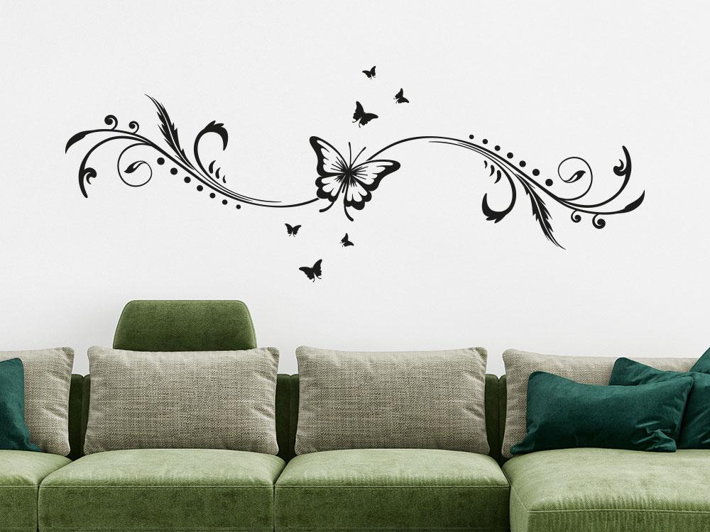 Wohnzimmer Wandtattoo Ornament mit Schmetterling helle Wand