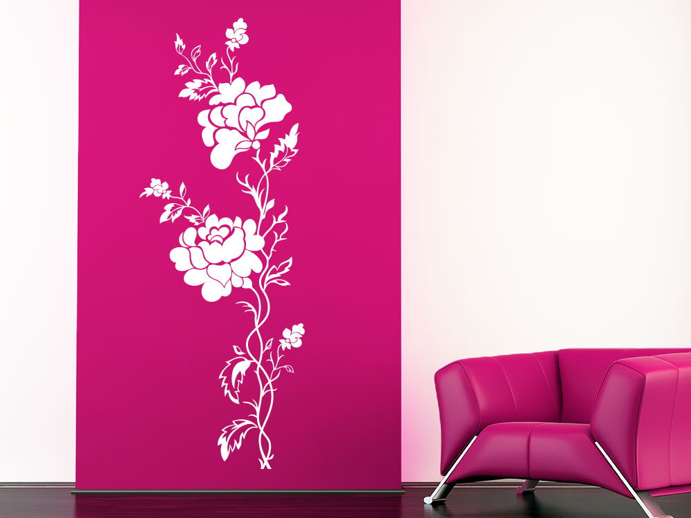Wandtattoo Rosenranke im Wohnzimmer in der Farbe Weiß
