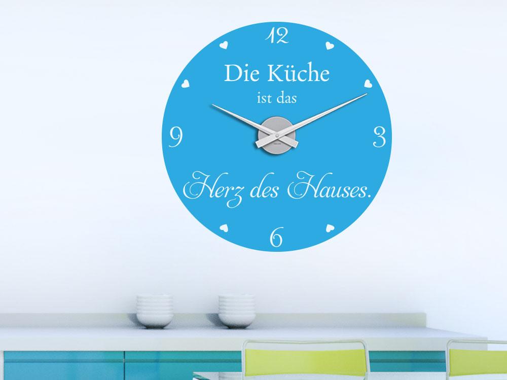 Wandtattoo Uhr Die Küche ist das Herz des Hauses über Arbeitsfläche auf heller Wand