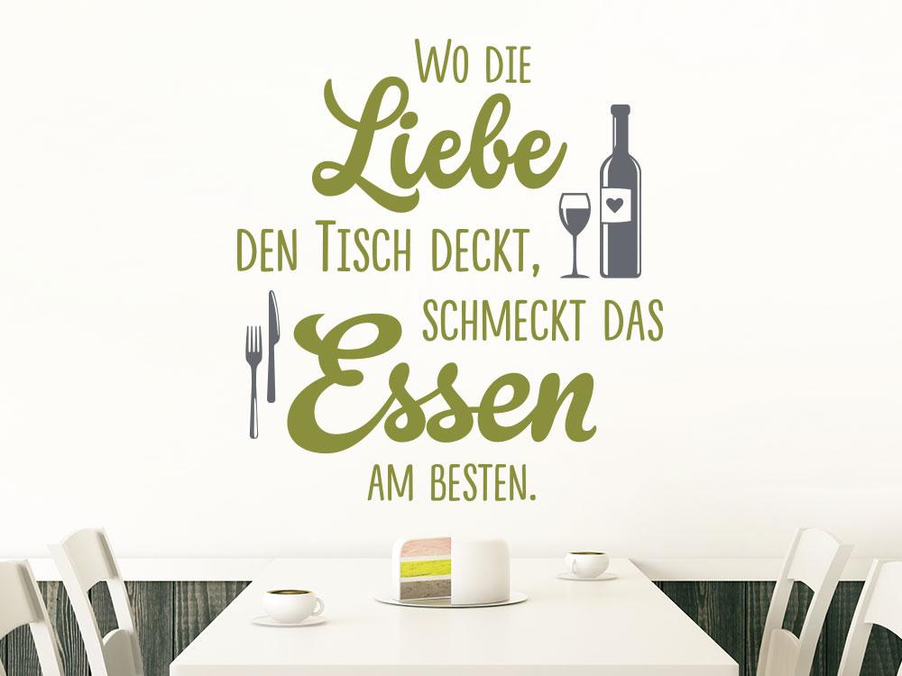 Wandtattoo Wo die Liebe den Tisch deckt Spruch im Esszimmer mit Wein und Besteck