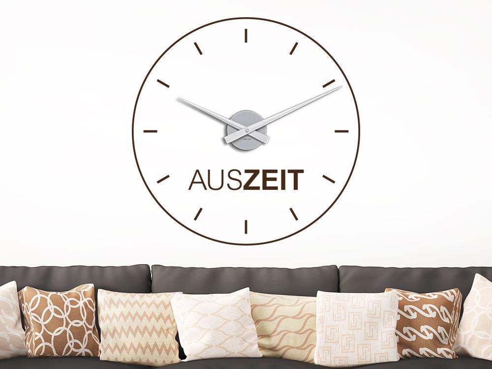 Wandtattoo Uhr Auszeit im Wohnzimmer über Sofa