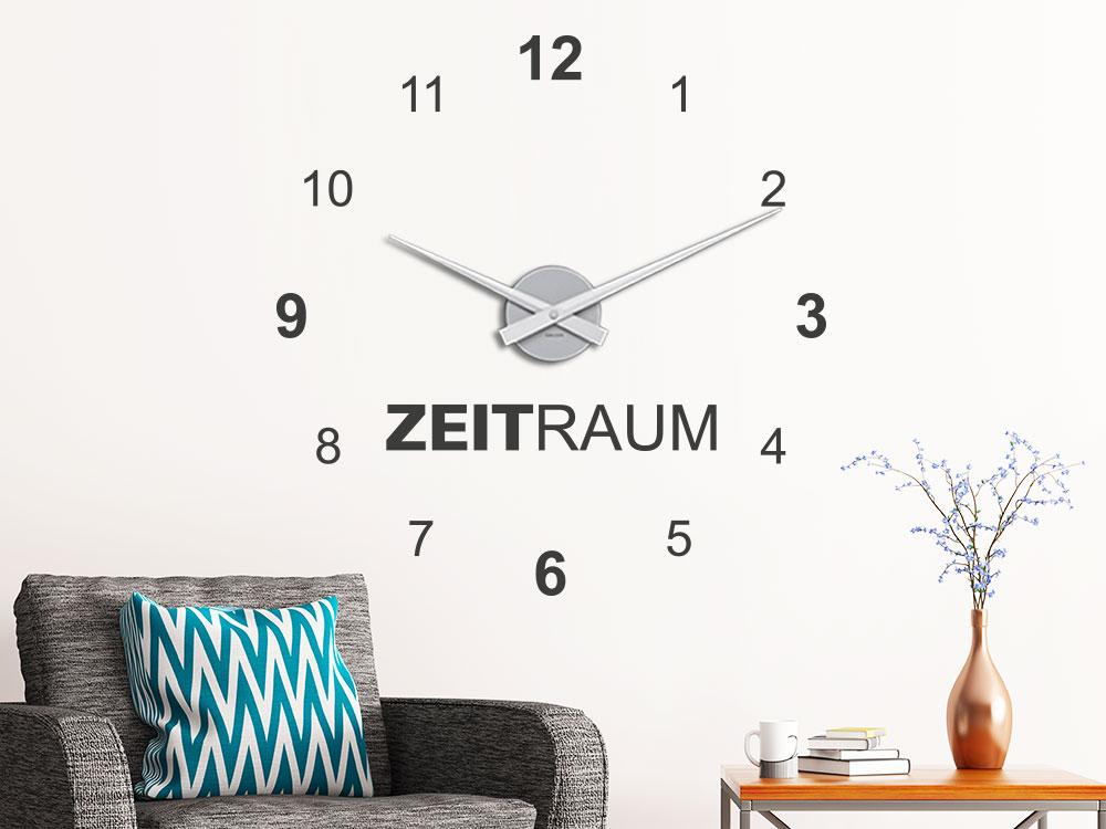 Wandtattoo Uhr Zeitraum im Wohnzimmer über Sessel