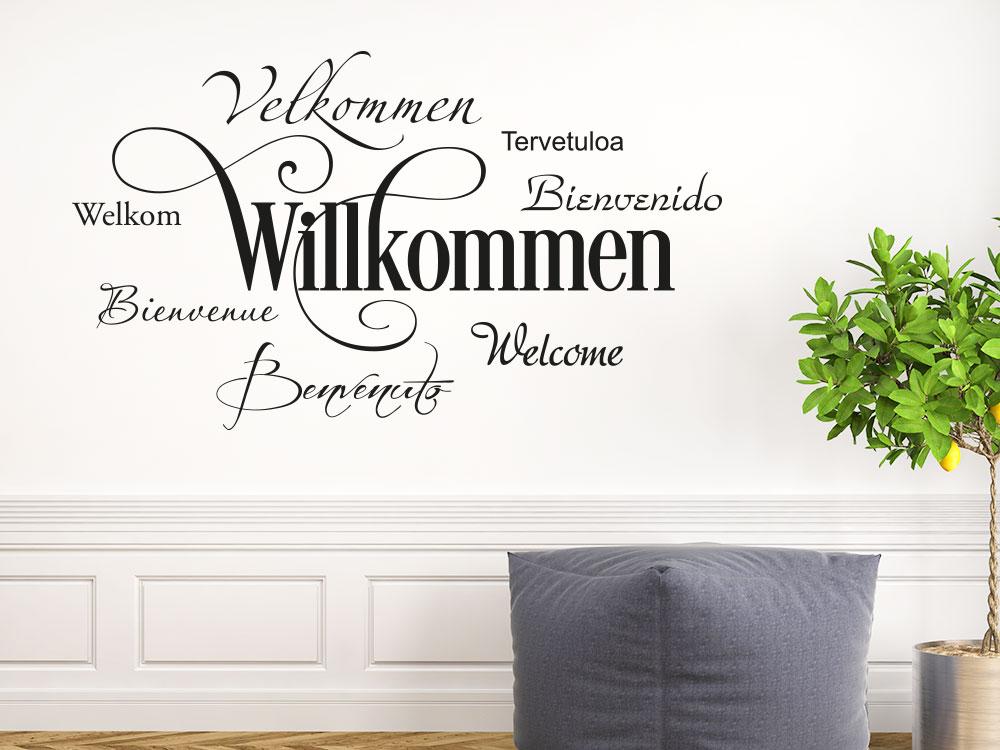 Willkommen Wandtattoo in 8 Sprachen im Eingang