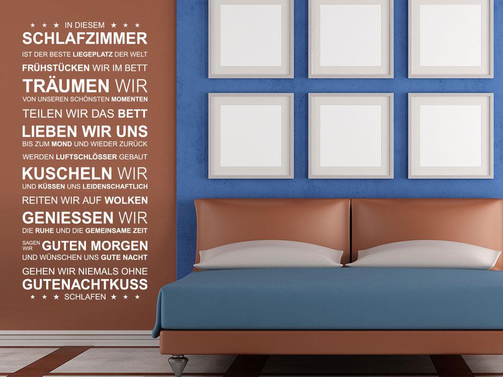 Wandtattoo Spruchband In diesem Schlafzimmer neben einem Bett