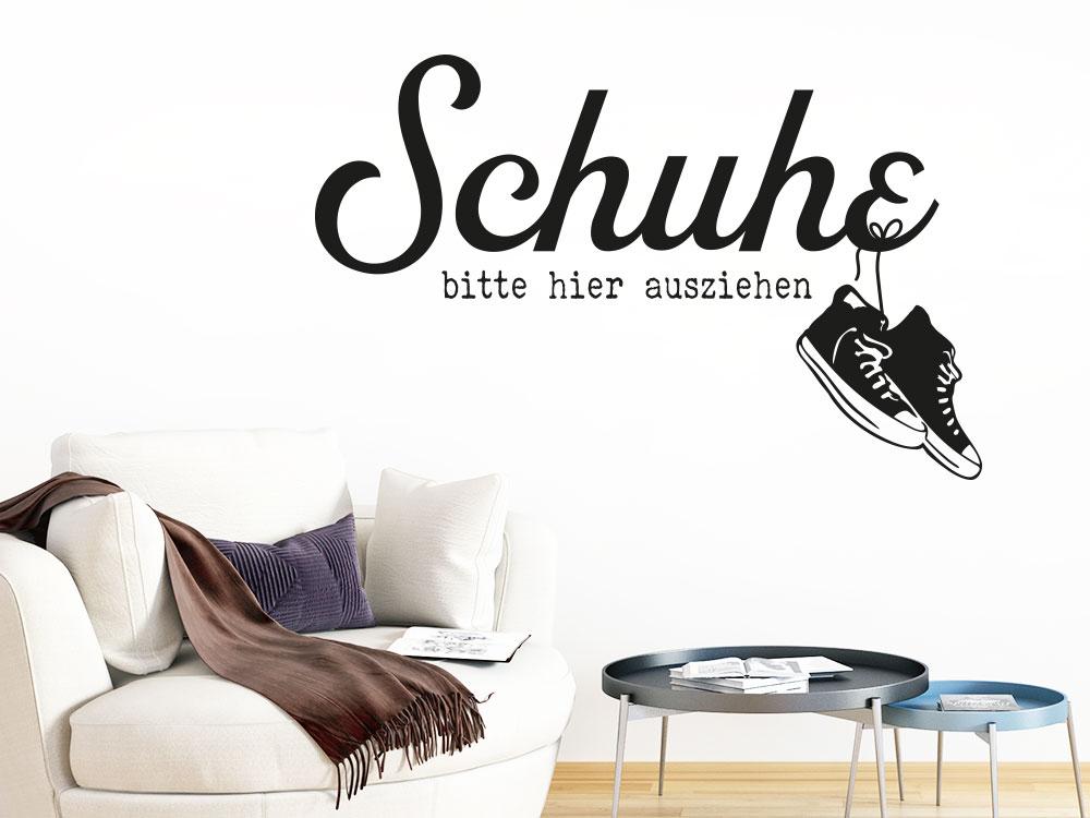 Lustiges Wandtattoo Schuhe bitte hier ausziehen im Flur mit Sneakers