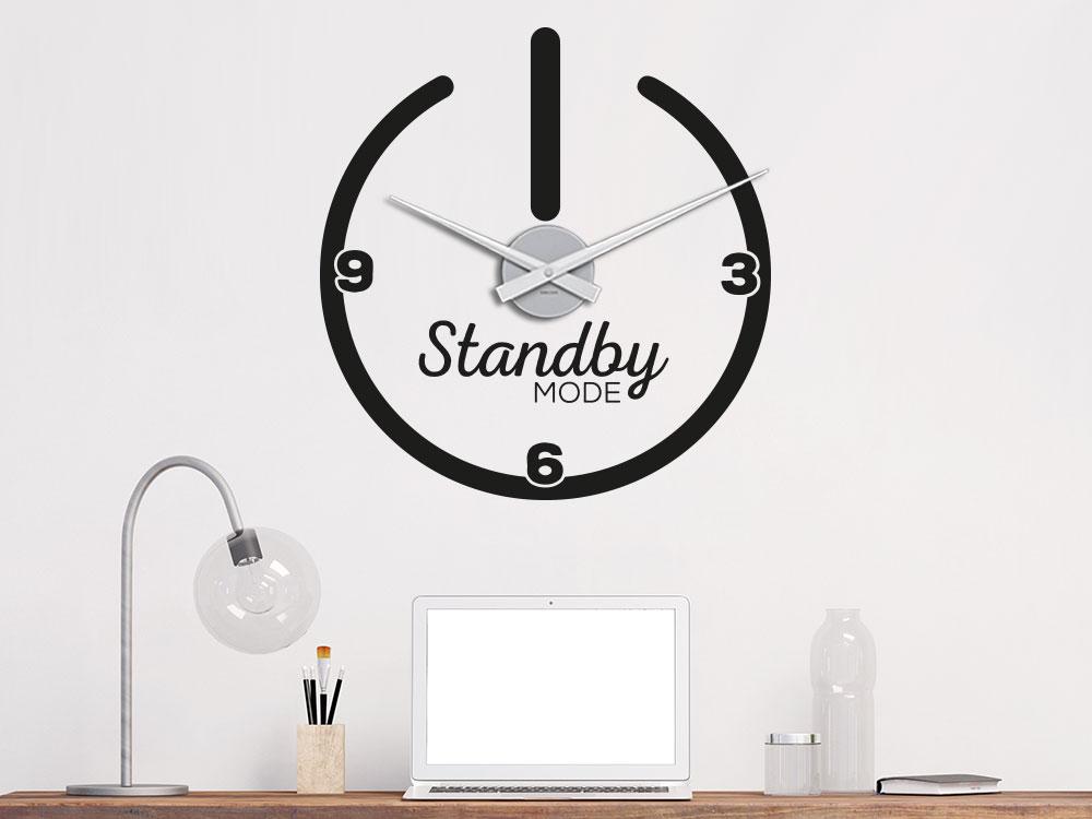 Wandtattoo Uhr Standby Mode im Büro auf heller Wand