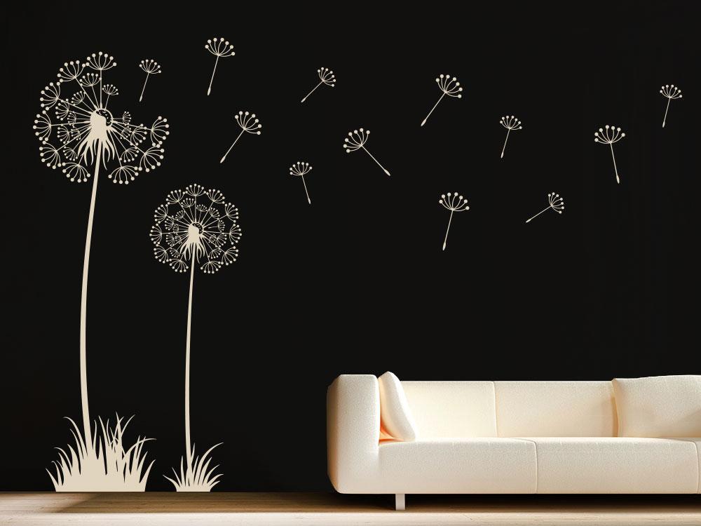 Traumhafte Wandtattoo Pusteblumen mit Samen im Wohnzimmer