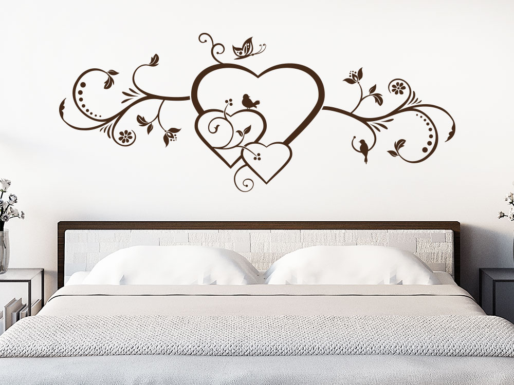 Wandtattoo Herzornament im Schlafzimmer