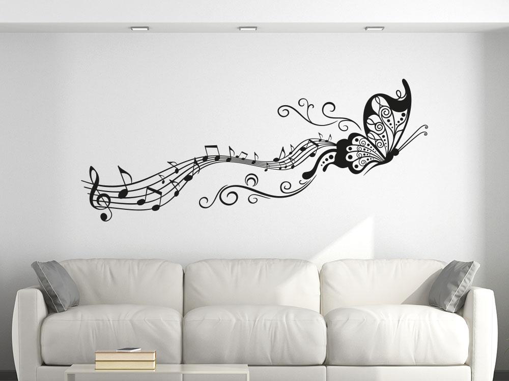 Notenlinien Wandtattoo mit Schmetterling und Noten im Wohnzimmer