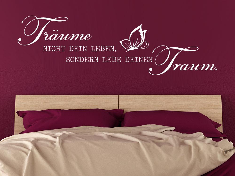 Wandtattoo Träume über Ehebett im Schlafzimmer