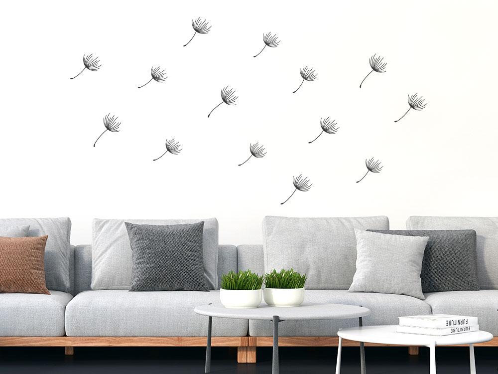 Zusätzliches Pusteblumen Samen Set 14 Teilig auf heller Wand im Wohnzimmer