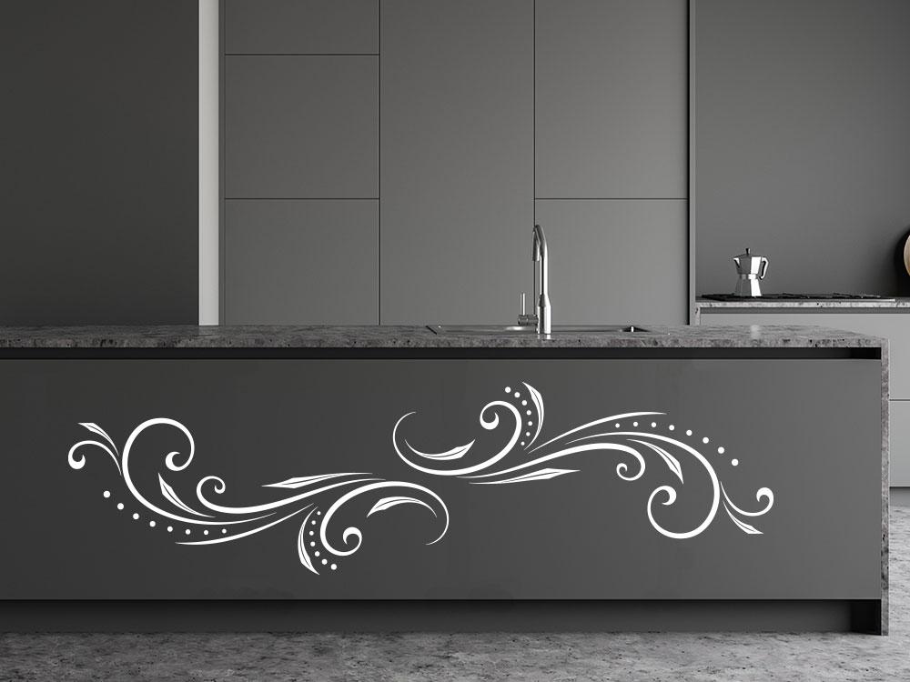 Wandtattoo Design Ornament auf Küchenblock in der Farbe Weiß