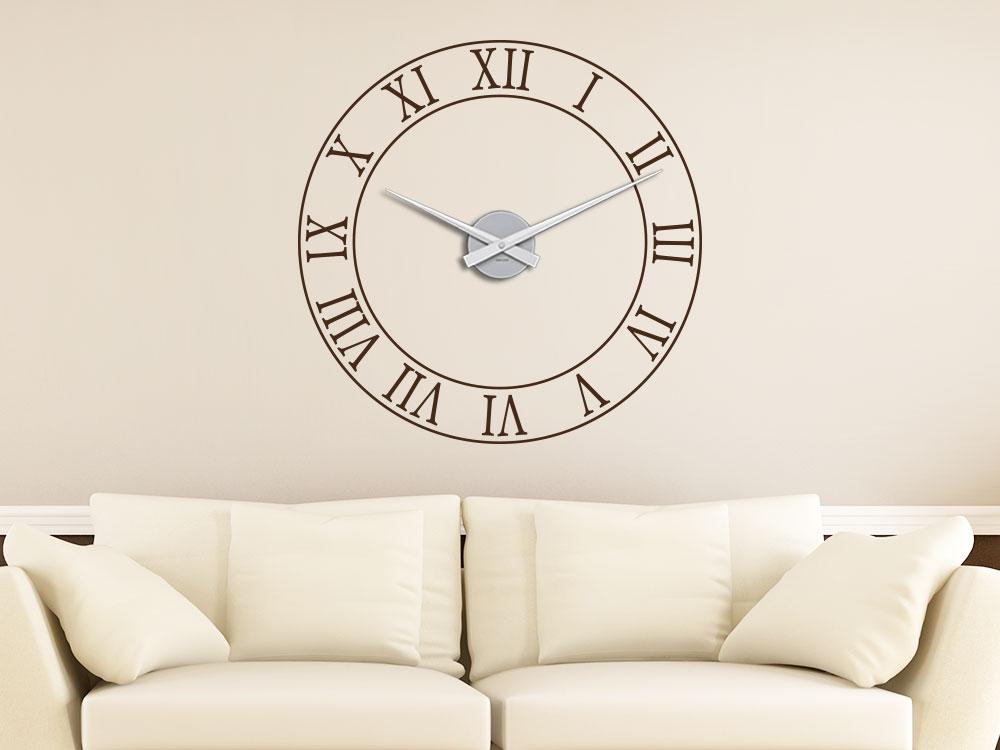 Wandtattoo Uhr Römische Zahlen im Wohnzimmer