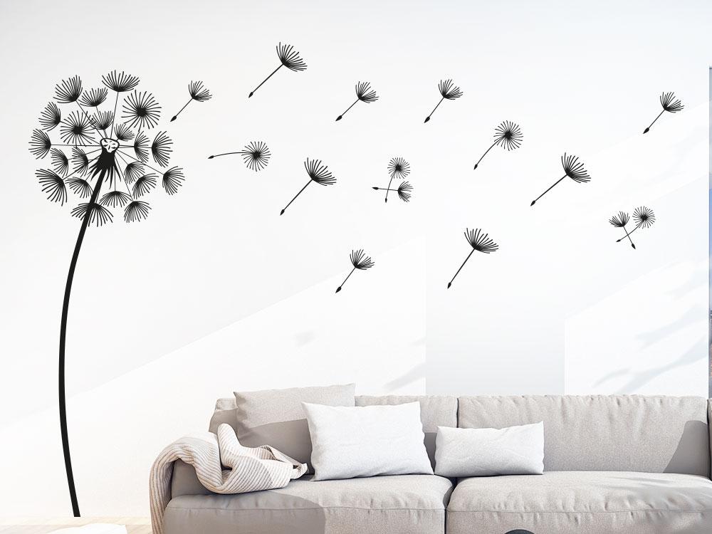 Schwarze Wandtattoo Pusteblume im Wohnzimmer