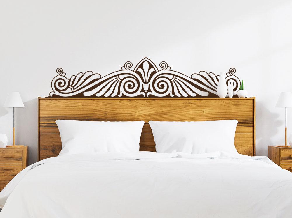 Barock Wandtattoo Ornament im Schlafzimmer über Bett