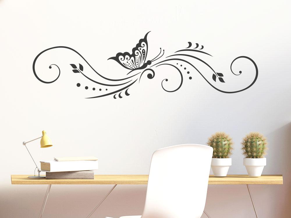 Ranken Wandtattoo Schmetterling Ornament über Schreibtisch