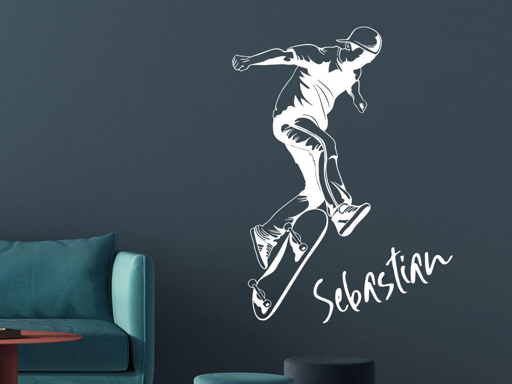 Wandtattoo Stylischer Skater und Wunschname im Jugendzimmer