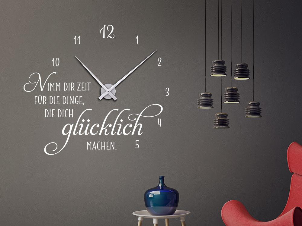 Wandtattoo Uhr Nimm dir Zeit, für die Dinge, die dich glücklich machen im Wohnzimmer