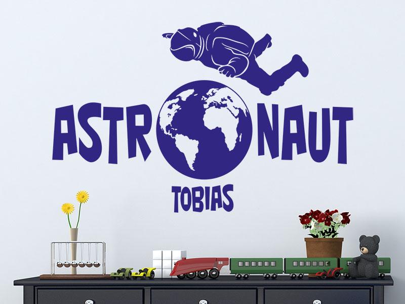 Wandtattoo Astronaut mit Name im Kinderzimmer