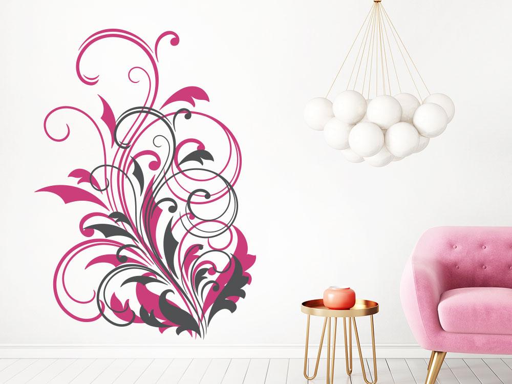 Zweifarbiges Wandtattoo Ornament auf heller Wohnzimmerwand
