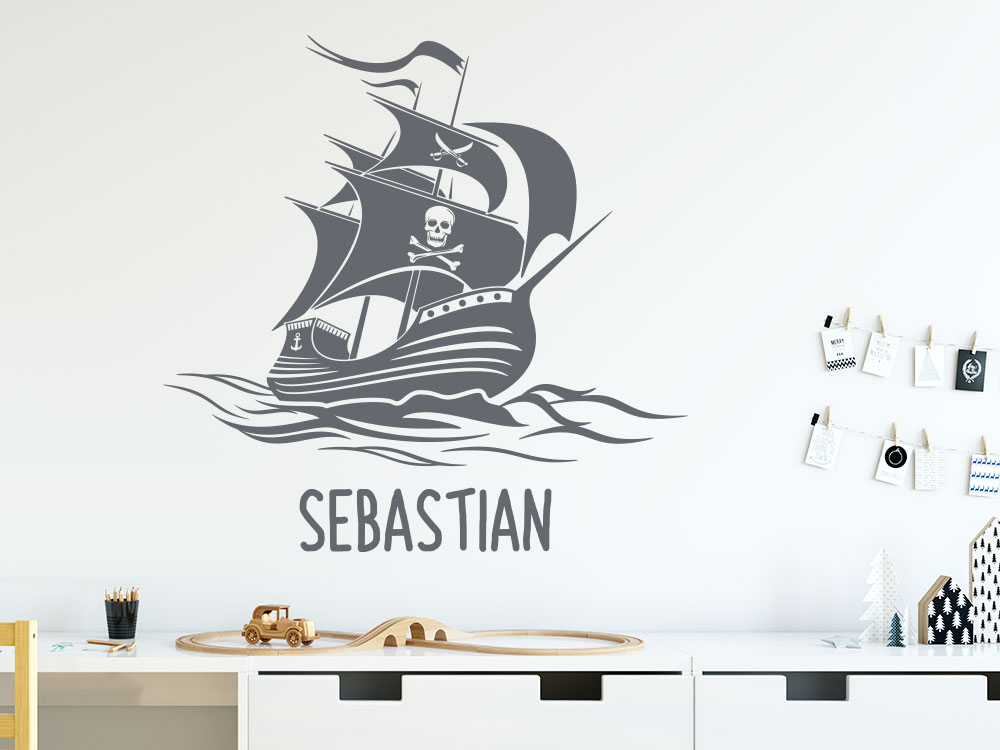 Wandtattoo Piratenschiff mit Wunschname