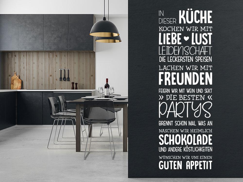 Wandtattoo Spruchband In dieser Küche auf dunkler Wand