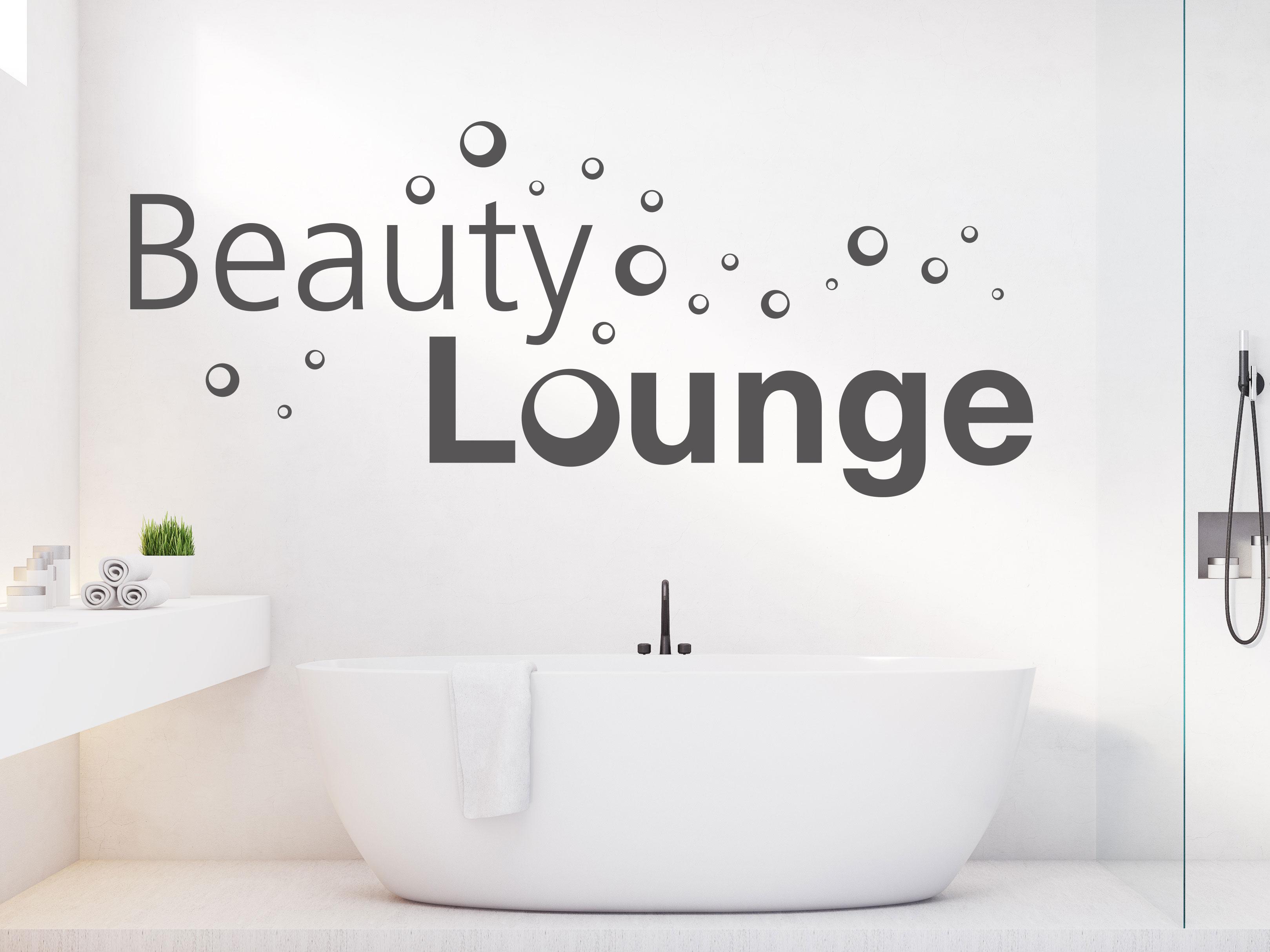 Wandtattoo Beauty Lounge über Badewanne mit Seifenblasen