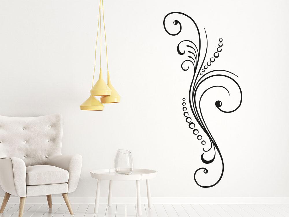 Wandtattoo Klassik Ornament auf heller Wand in der Farbe Schwarz