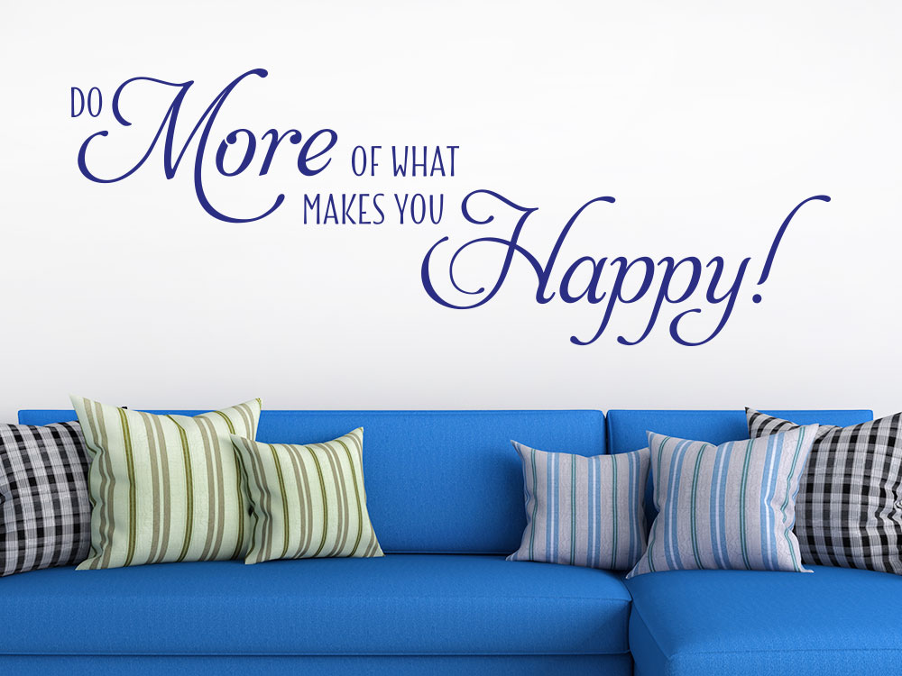Wandtattoo More Happy Spruch im Wohnzimmer