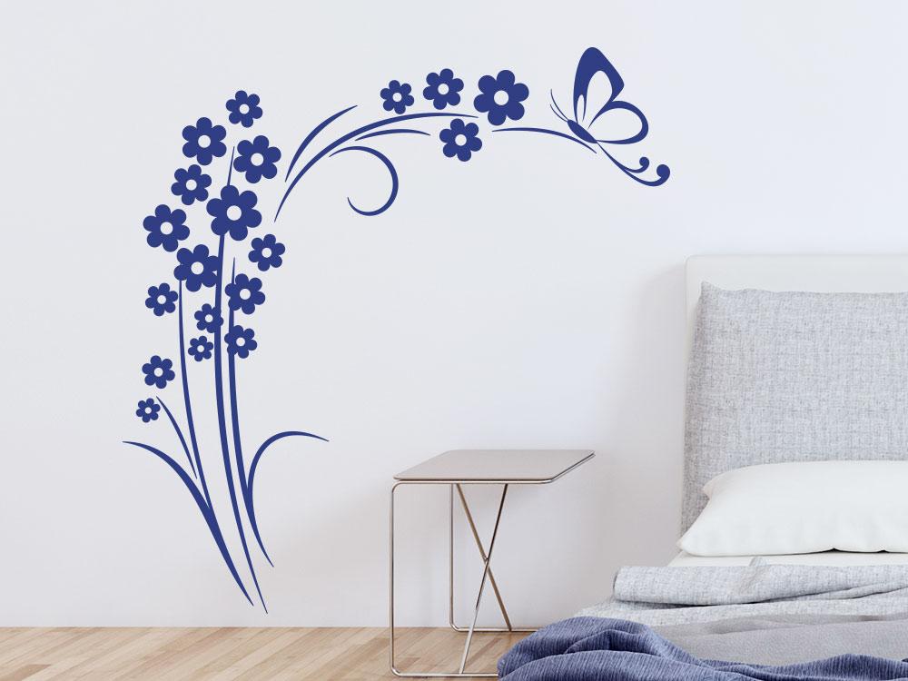 Wandtattoo Blütenstrauch mit Schmetterling