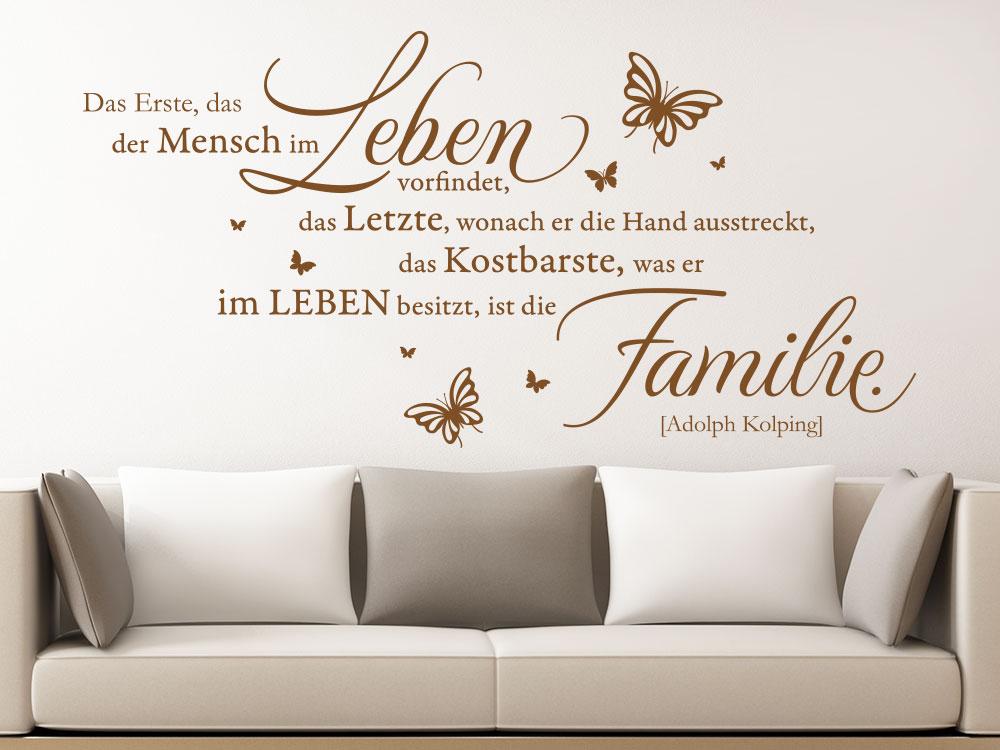 Wandtattoo Das Kostbarste ist die Familie Wandzitat im Wohnzimmer