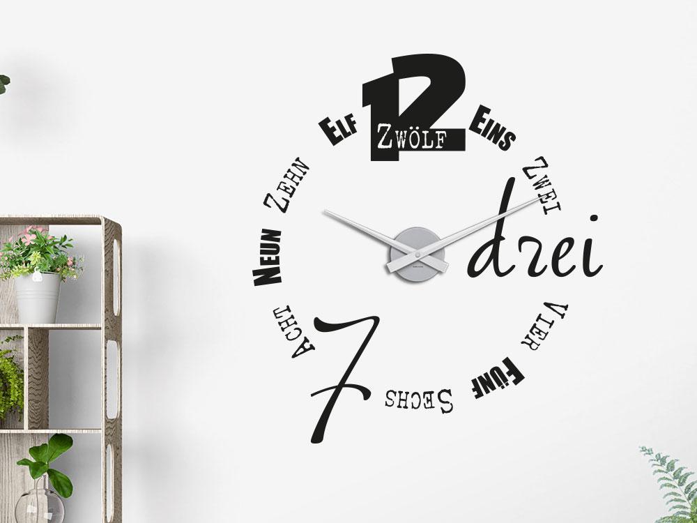 Wandtattoo Uhr Typographie in schwarz