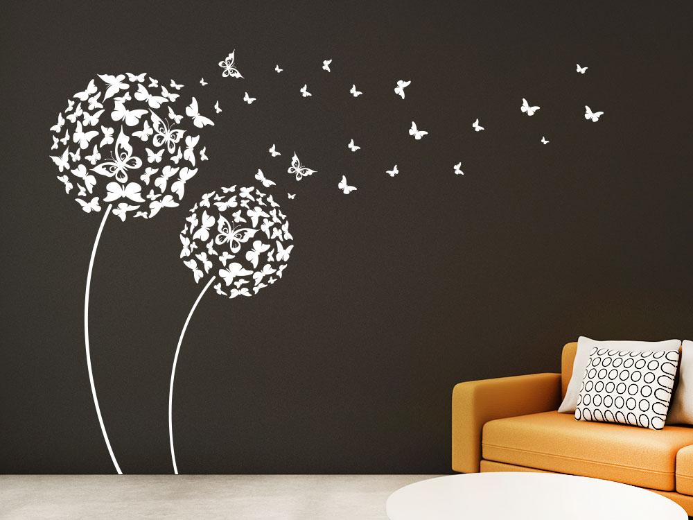 Wandtattoo Pusteblume aus Schmetterlingen im Wohnzimmer