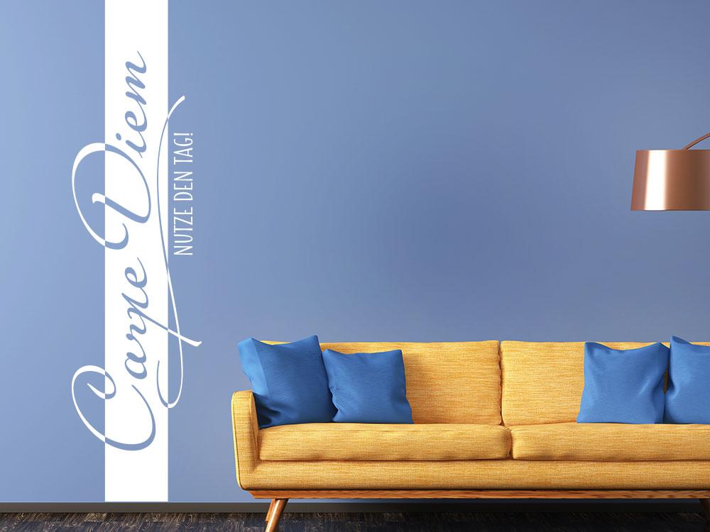Wandtattoo Wandbanner Carpe Diem nutze den Tag auf blauer Wohnzimmerand