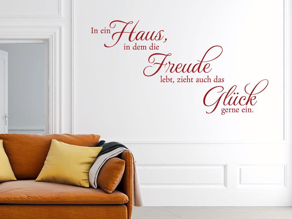 Wandtattoo In ein Haus, in dem die Freude lebt als Dekoration im Hauseingang