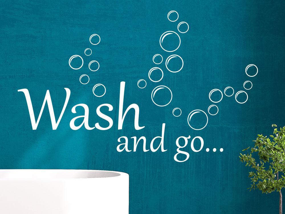 Wandtattoo Wash and go mit Seifenblasen im Badezimmer