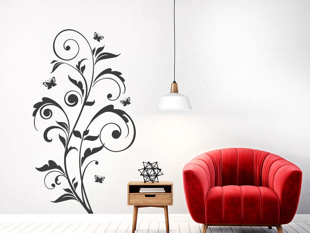 Wandtattoo Florales Ornament mit Schmetterlingen im Wohnbereich